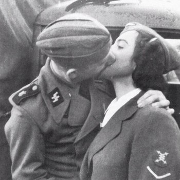 17ss Soldier and his girlfriend.jpg