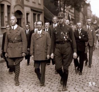 1926 Gregor Strasser, Joseph Goebbels und Viktor Lutze.jpg