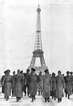 1940 paris.jpg