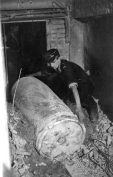 A Dud shell fired by Karl Gerat during the Warsaw uprising Very lucky for everyone inside the building..jpg