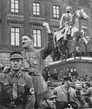 Adolf-Hitler-Speech-in-Brunswick-1931.jpg