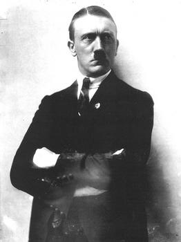 Adolf Hitler 1921.jpg