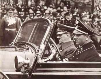 Adolf Hitler&Erich Kempka.jpg