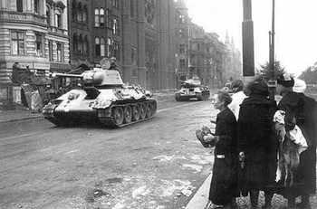 BERLIN  1945 _4.jpg