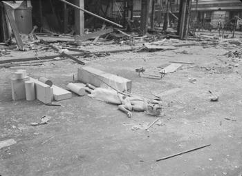 Bombs Hit London Stores 1940.jpg