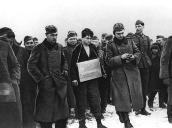 Зоя Космодемьянская перед казнью. 29 ноября 1941 г.jpg
