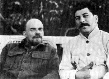 Ленин и Сталин в Горках. 1922 г..jpg