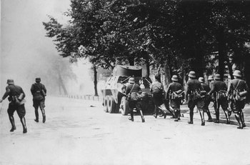 Danzig-Soldiers-Attack.jpg