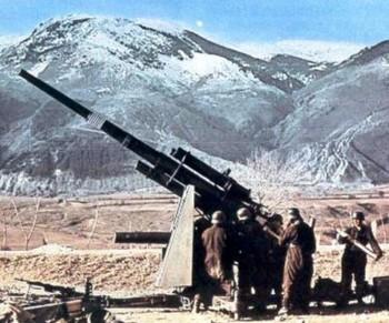 Deutsche Flak 8,8 cm in Nowegen.jpg