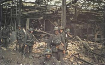 Deutsche Grenadiere in der Stalingrader Schlacht.jpg