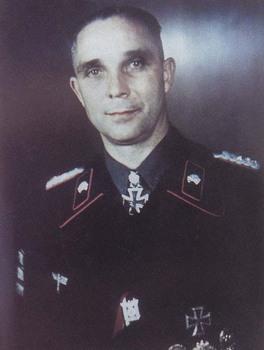 Dr Franz Bäke.jpg
