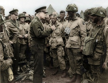 Eisenhower and 101st Airborne U.S. Paratroopers June 5th 1944.jpg