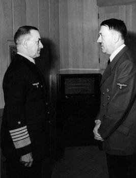 Erich_Raeder,_Adolf_Hitler.jpg