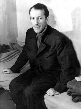 Ernst Kaltenbrunner am 10. Dezember 1945 in seiner Zelle in Nürnberg.jpg