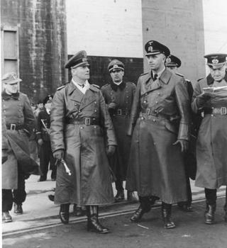 Erwin Rommel mit Admiral Ruge.jpg