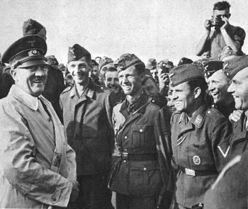 Führer mit seine Soldaten.jpg