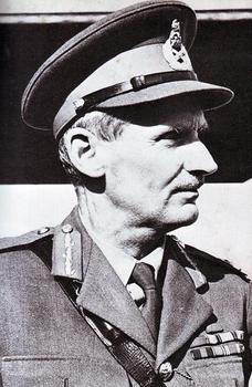 Field Marshal Montgomery in Cairo, 1942.jpg