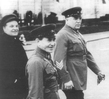 Frinovsky_Yezhov 1938.jpg