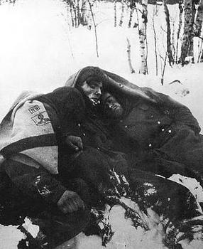 Frozen German soldiers at Stalingrad 1943.jpg