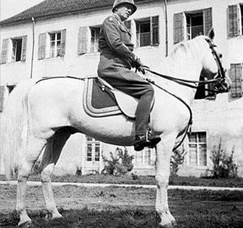 Gen-George-Patton-1945-Vienna.jpg