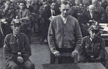 General Hoeppner vor dem Volksgerichtshof.jpg