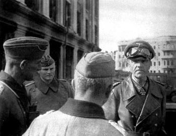General Paulus at Red Square in Stalingrad.jpg
