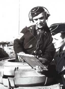 Generalmajor Dr. med. dent. Franz BÄKE.jpg