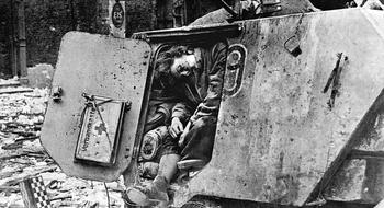 German-nurse-1945.jpg