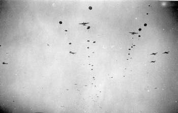 German paratroopers beeing dropped over Crete by JU52.jpg