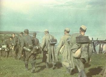 German_Troops_with_HIWIS.jpg