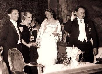 Goebbels Magda with Göring and Emmy.jpg