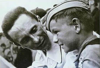 Goebbels&HitlerYouth.jpg