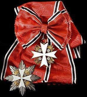 Goldenes Großkreuz des Deutschen Adlerordens.jpg