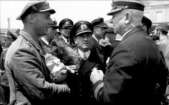 Heinz Otto Schultze und Admiral.jpg