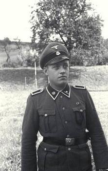 KZ_Mauthausen  camp guard.jpg