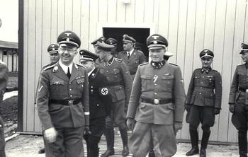 KZ_Mauthausen,_Himmler.jpg