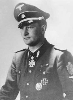 Karl Ullrich SS-Standartenführer.jpg