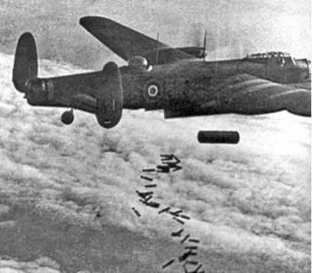 Lancaster  Dropping_Blockbuster_ Duisburg_1944.jpg