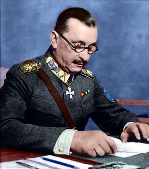Le maréchal Mannerheim dans son quartier général.jpg