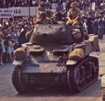M-8 Howitzer Motor Carriage from the French Army taking part in the liberation of Paris, August 1944.jpg