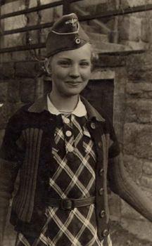 Mädchen_Wehrmacht.jpg