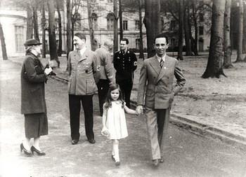Magda Htler Helga Goebbels Bouhler.jpg