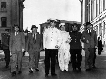 Mikojan, Hrutsev, Stalin, Malenkov, Berija,  Molotov_Kremlin, 1946..jpg