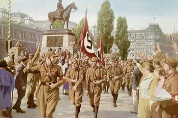 Nürnberg, Horst Wessel mit SA-Sturm.jpg