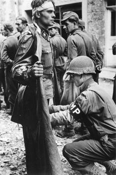 Officier de la 17e panzerdivision Gotz Von Berlichingen.jpg