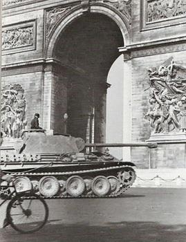Panther_Paris_1944.jpg