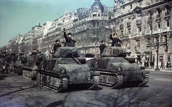 Paris,_Parade_deutscher_Panzer.jpg