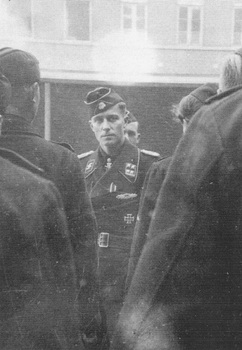 Peiper_welcomes_new_recruits_in_Hasselt_Belgium_spring1944.jpg