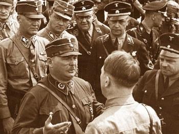 Röhm-und-Hitler-Duzfreunde-1933.jpg