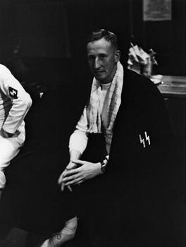 Reinhard Heydrich at a Fencing Competition with the Berlin SS Fencing Team (1939).jpg